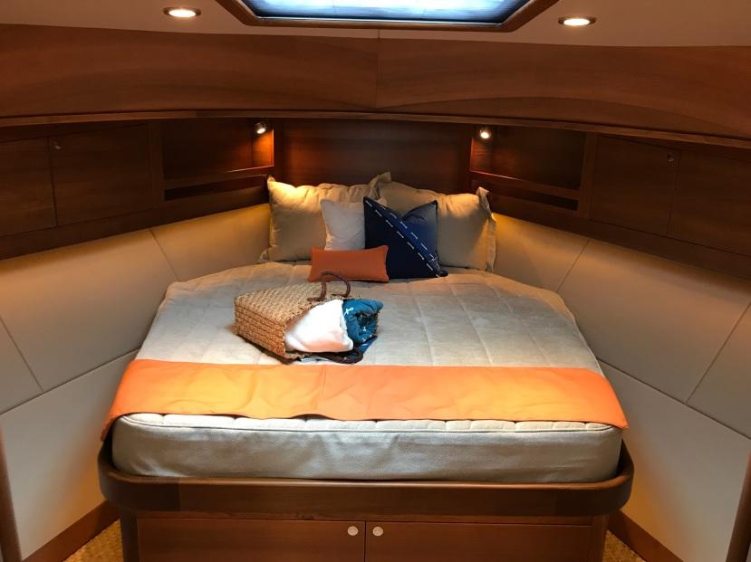 MB EB 44 - Newport Boat Show
