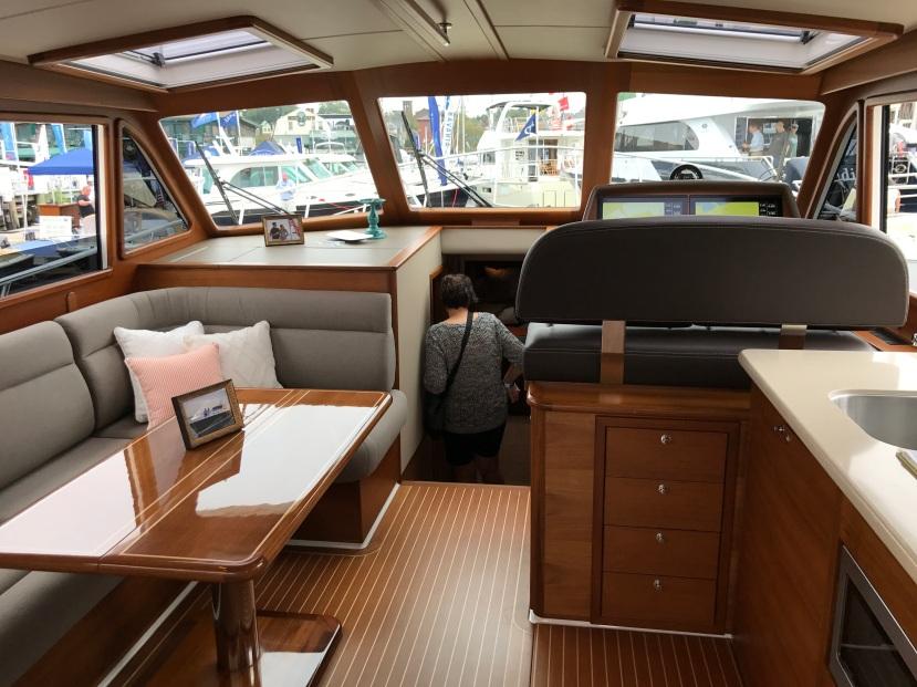 Salon EB 44 Newport Boat Show
